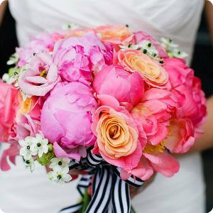 Mankato Wedding Flowers, Bridal Bouquet, Centerpieces, Corsage, Floral, Bridesmaids, Boutenier